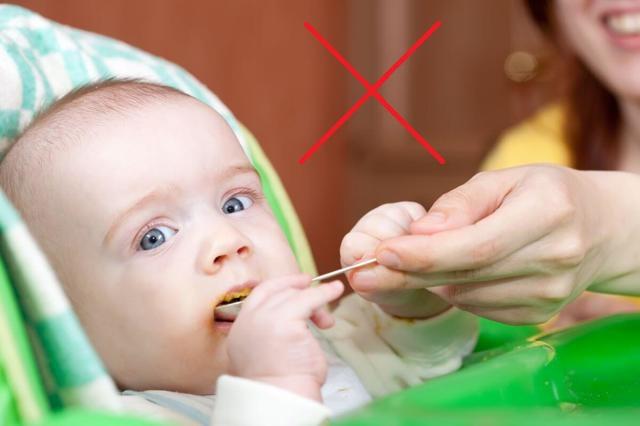 Детям мед не рекомендуется