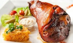 Рулька свиная с медом и горчицей