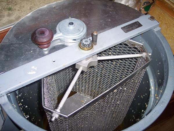 Медогонка из барабана стиральной машины