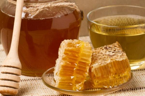 Мед в сотах при ангине