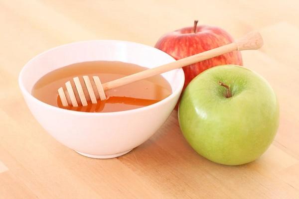 Мед с яблоком для маски