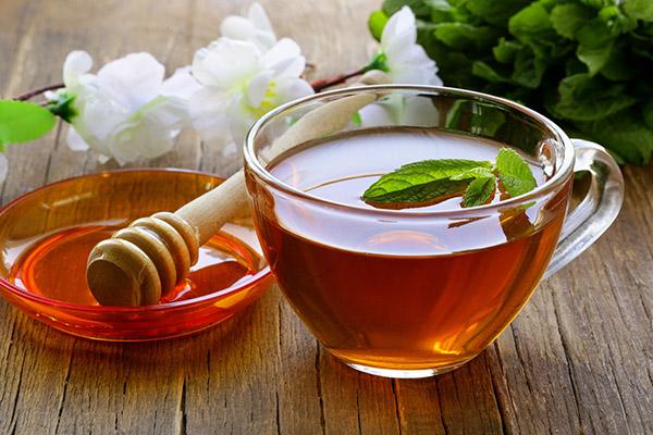 С чаем при простуде