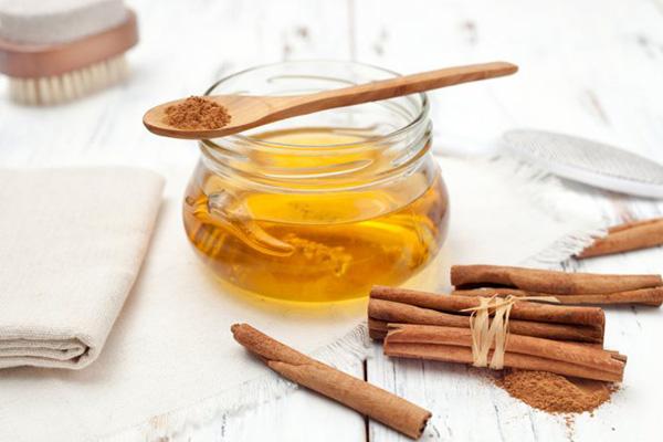 Мед с лимоном и с корицей