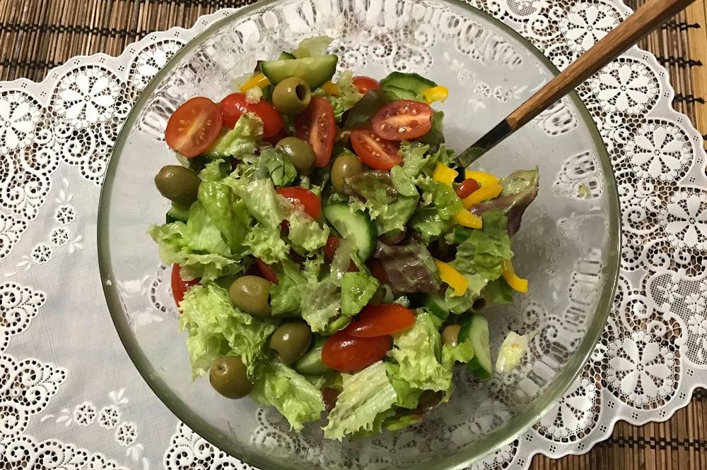 Овощной салат с медовым соусом