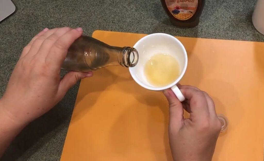 Проверка меда уксусом