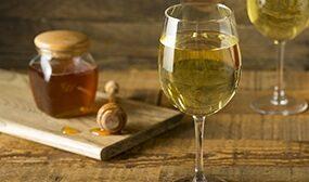 Вино из мёда в домашних условиях